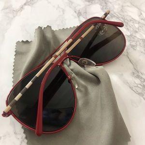 Burberry aviator glasses 🔥